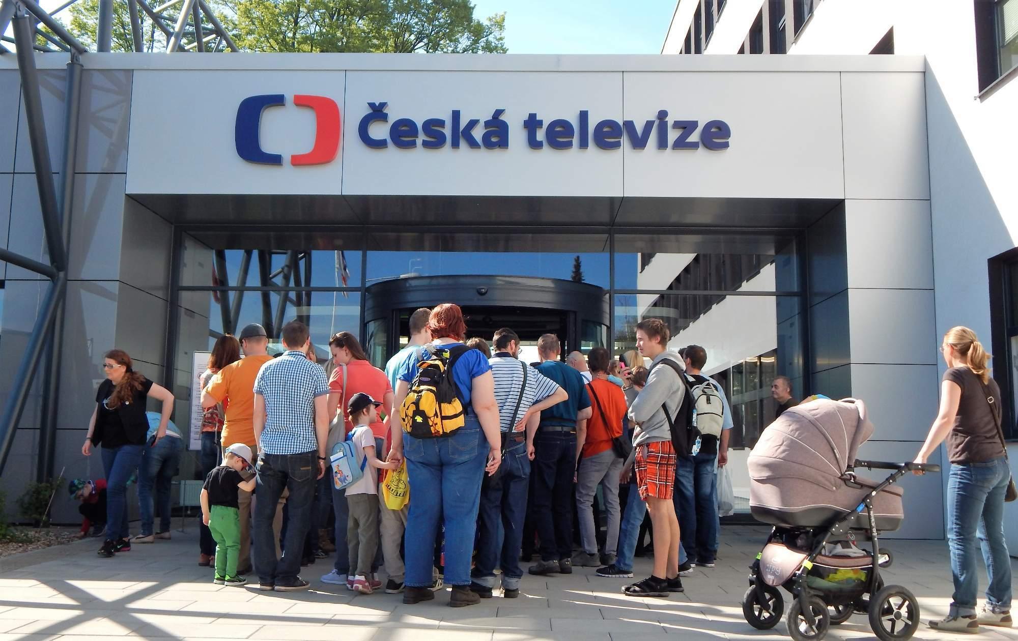 Lidé se teprve podruhé mohli podívat do útrob nového komplexu České televize Foto: Adam Lukůvka