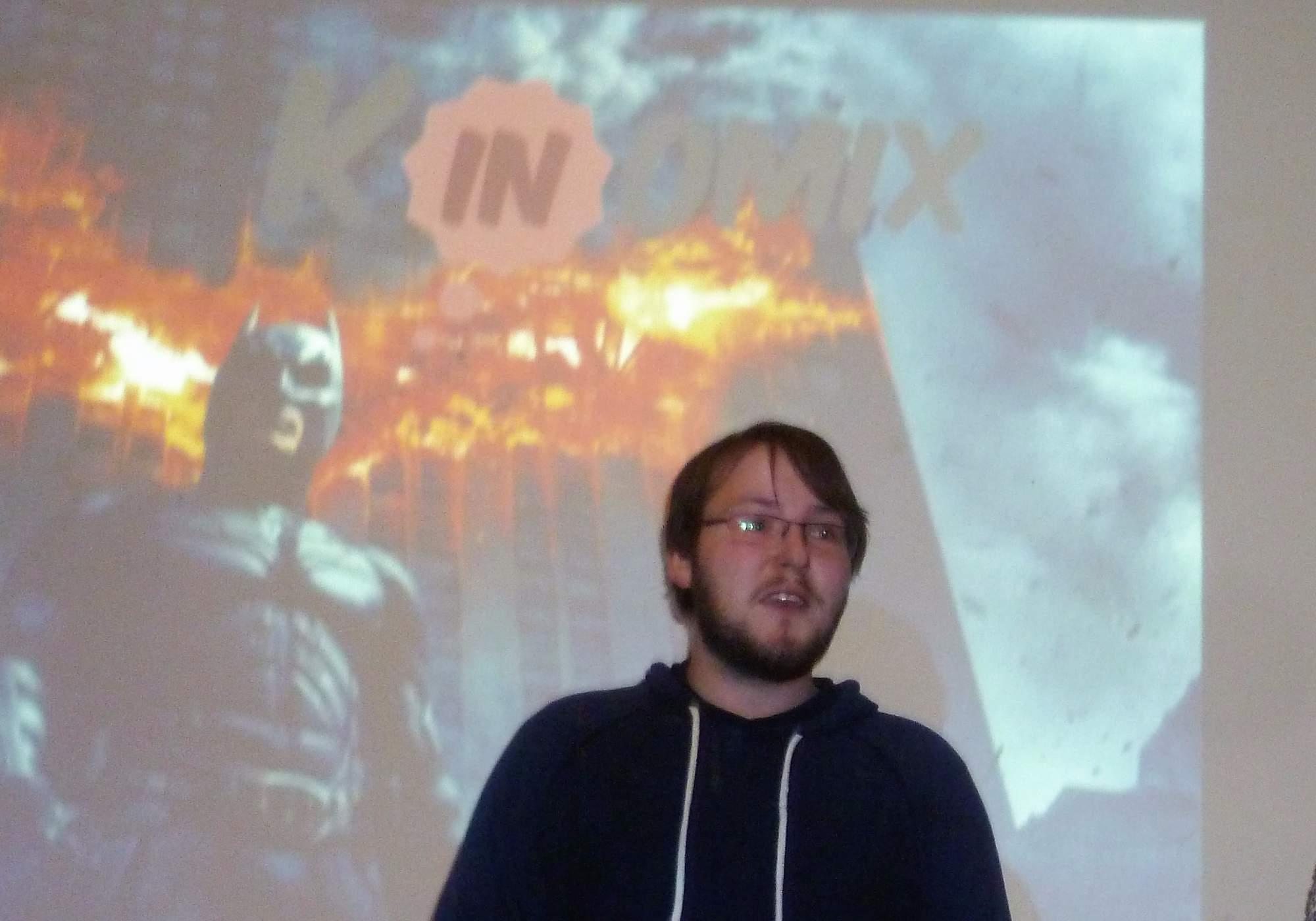 Martin Plescher při moderování komiksového kvízu. Foto: Adam Lukůvka