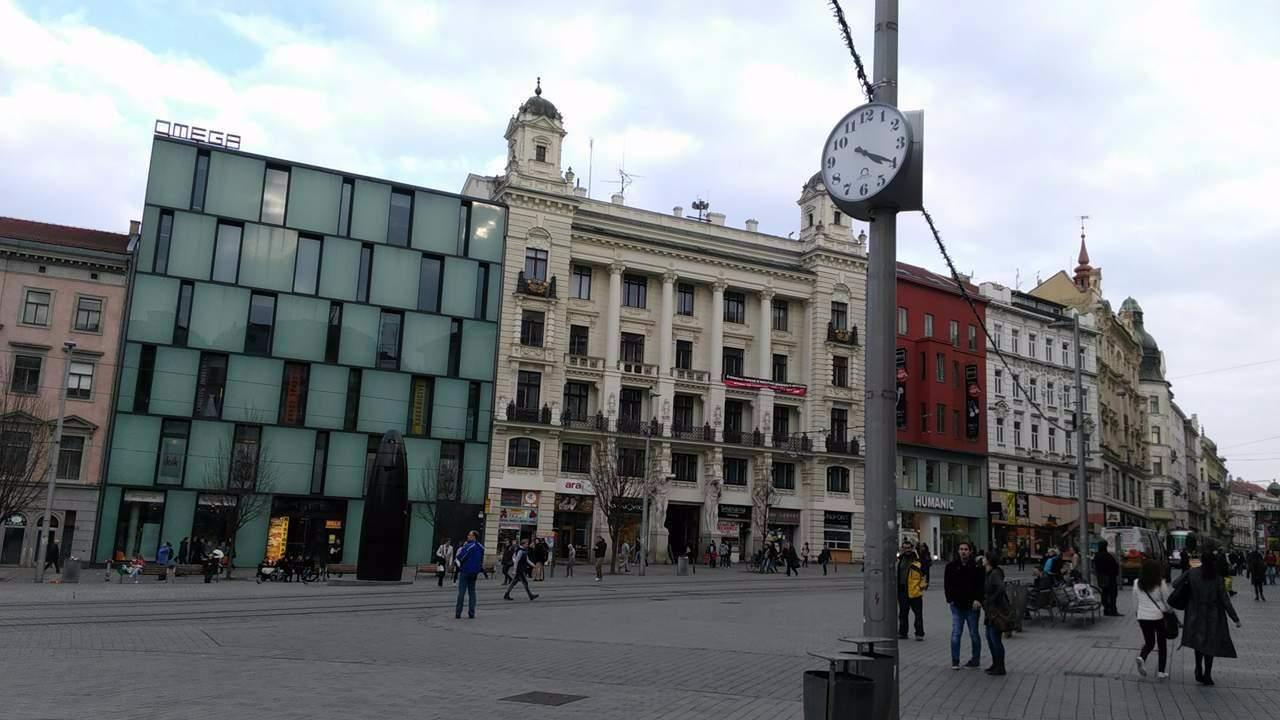 Nové hodiny na Náměstí svobody. Foto: Marie Mrázová