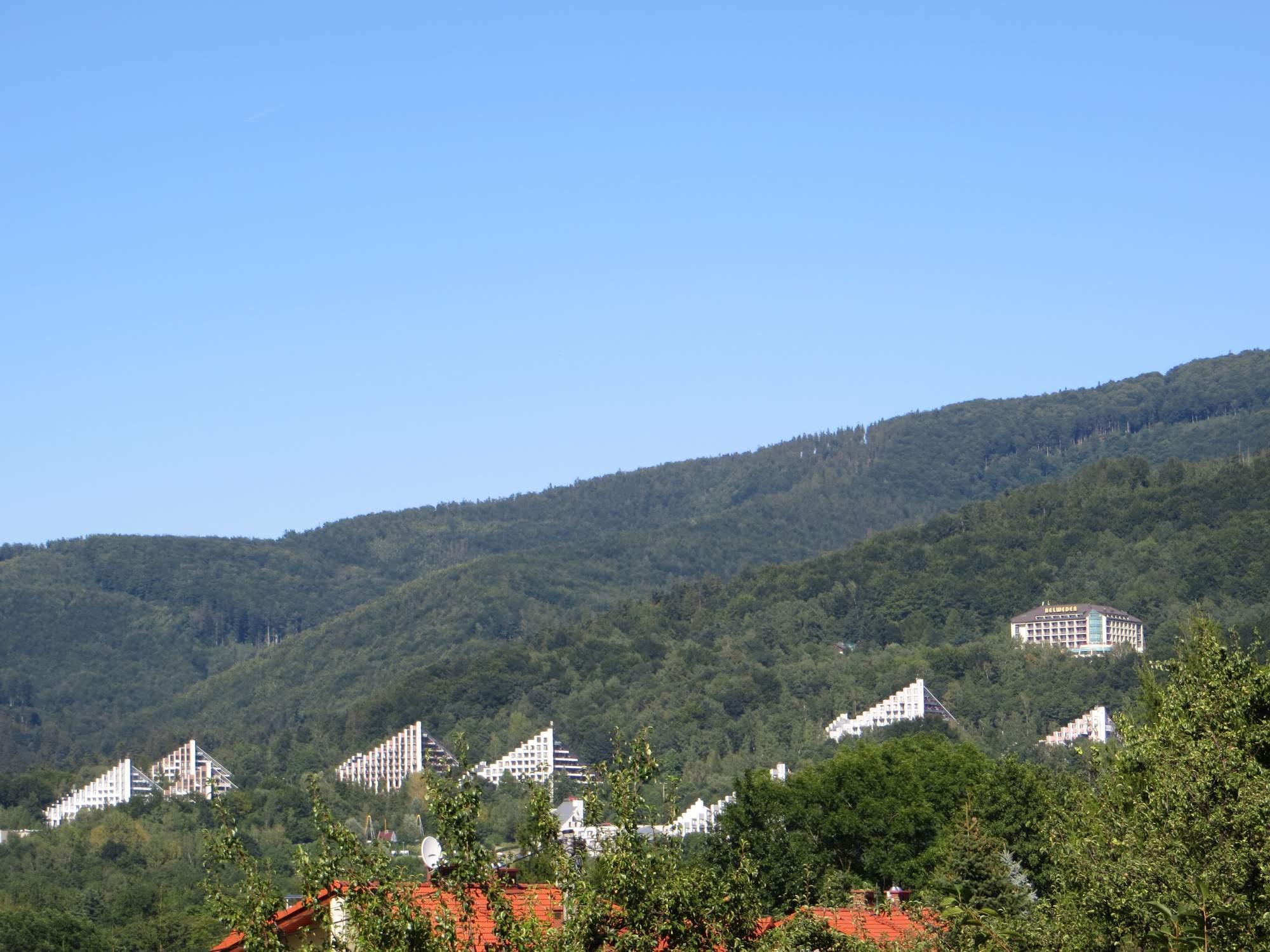 Pohled na pyramidy v Ustroni