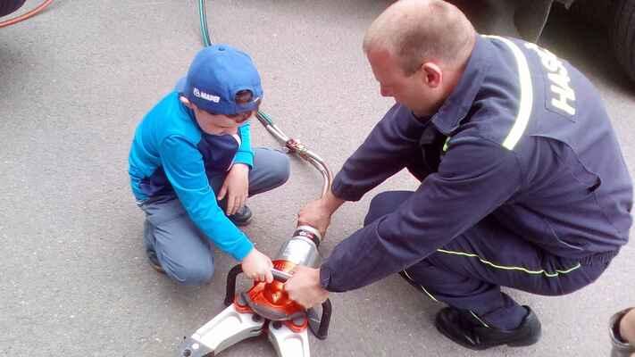 návštěva hasičů MŠ