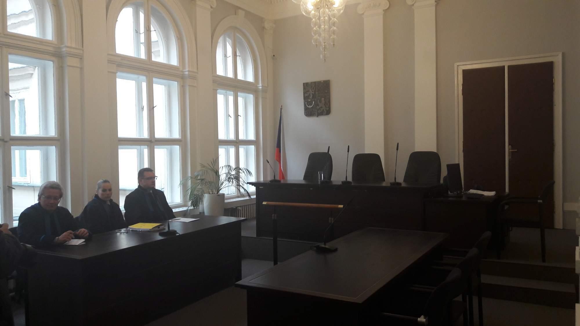 Advokáti obžalovaných čekají na verdikt Ústavního soudu. / Autor: Tereza Hálová