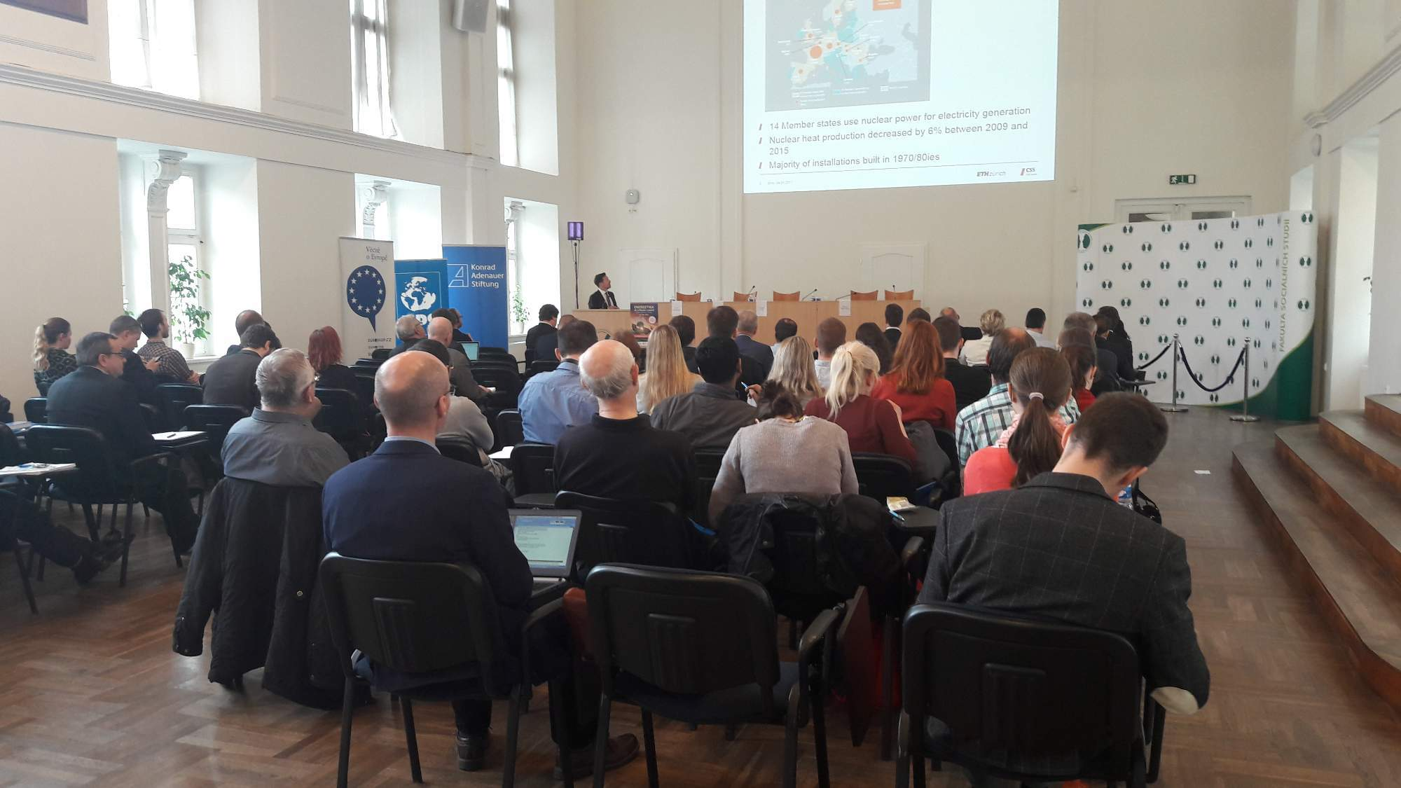 Konference o energetice se uskutečnila v aule Fakulty sociálních studií. / Autor: Tereza Hálová