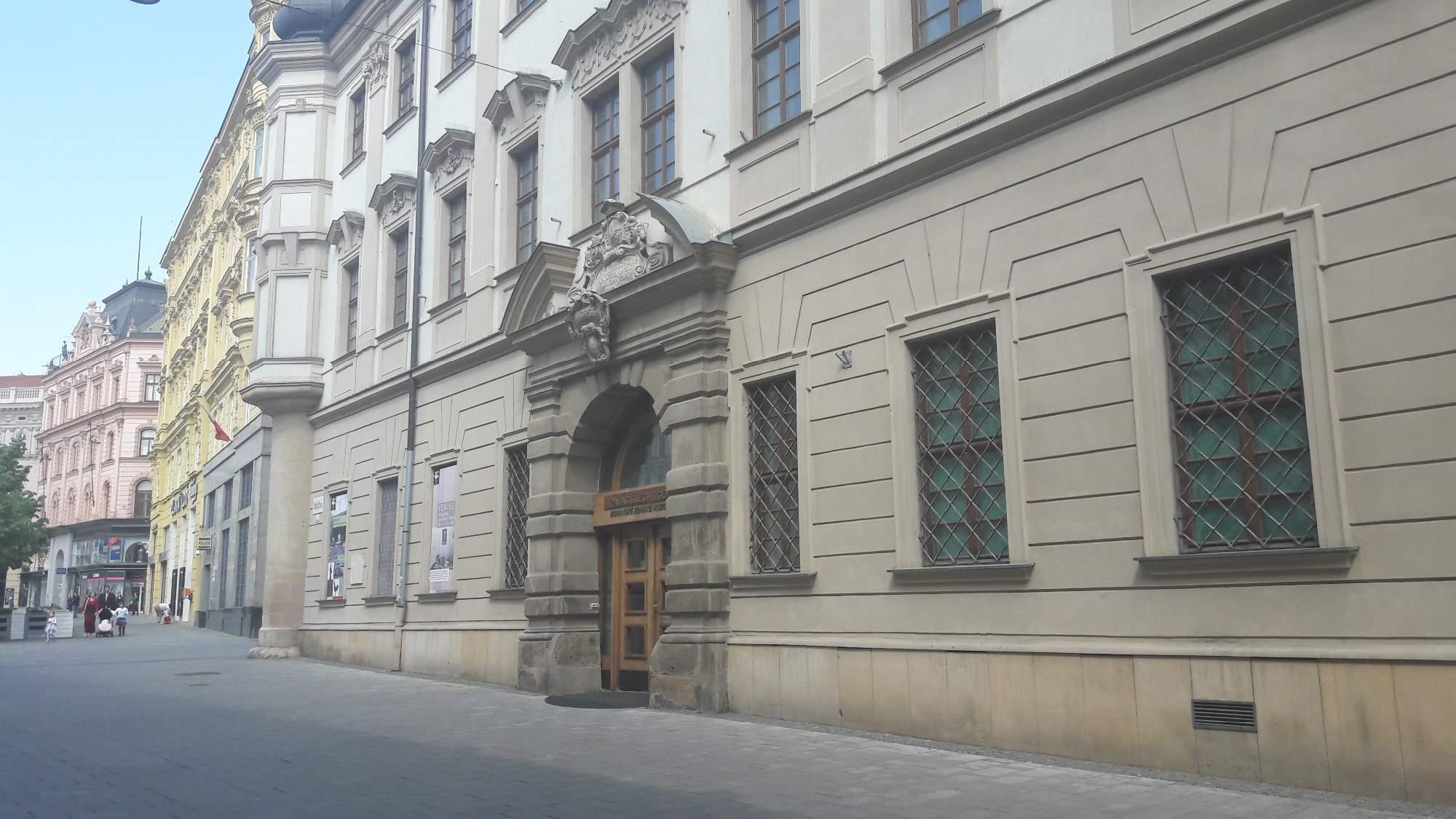 Palác šlechtičen měl sloužit pro osiřelé dívky. FOTO: Tereza Hálová