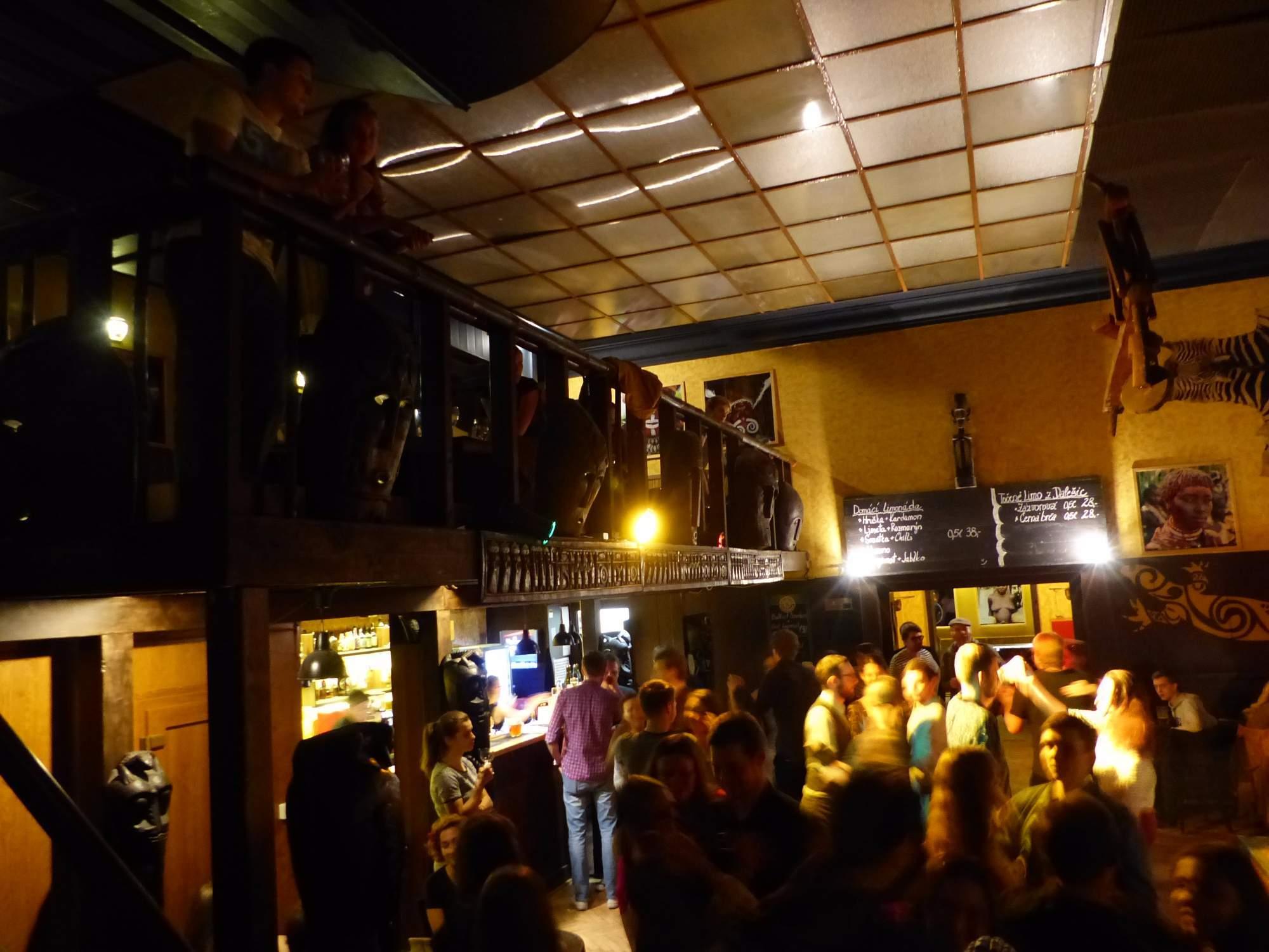 Na We love folklor sa ľudia zabávali na slovenskú ľudovú hudbu. Foto: Vanesa Čierna