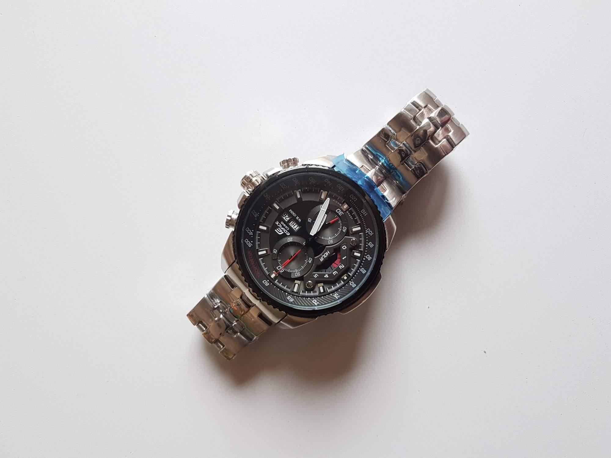 Hodinky Casio Edifice Chronograph EF-558D-1AV - aukce online - auktiva d03999c542b