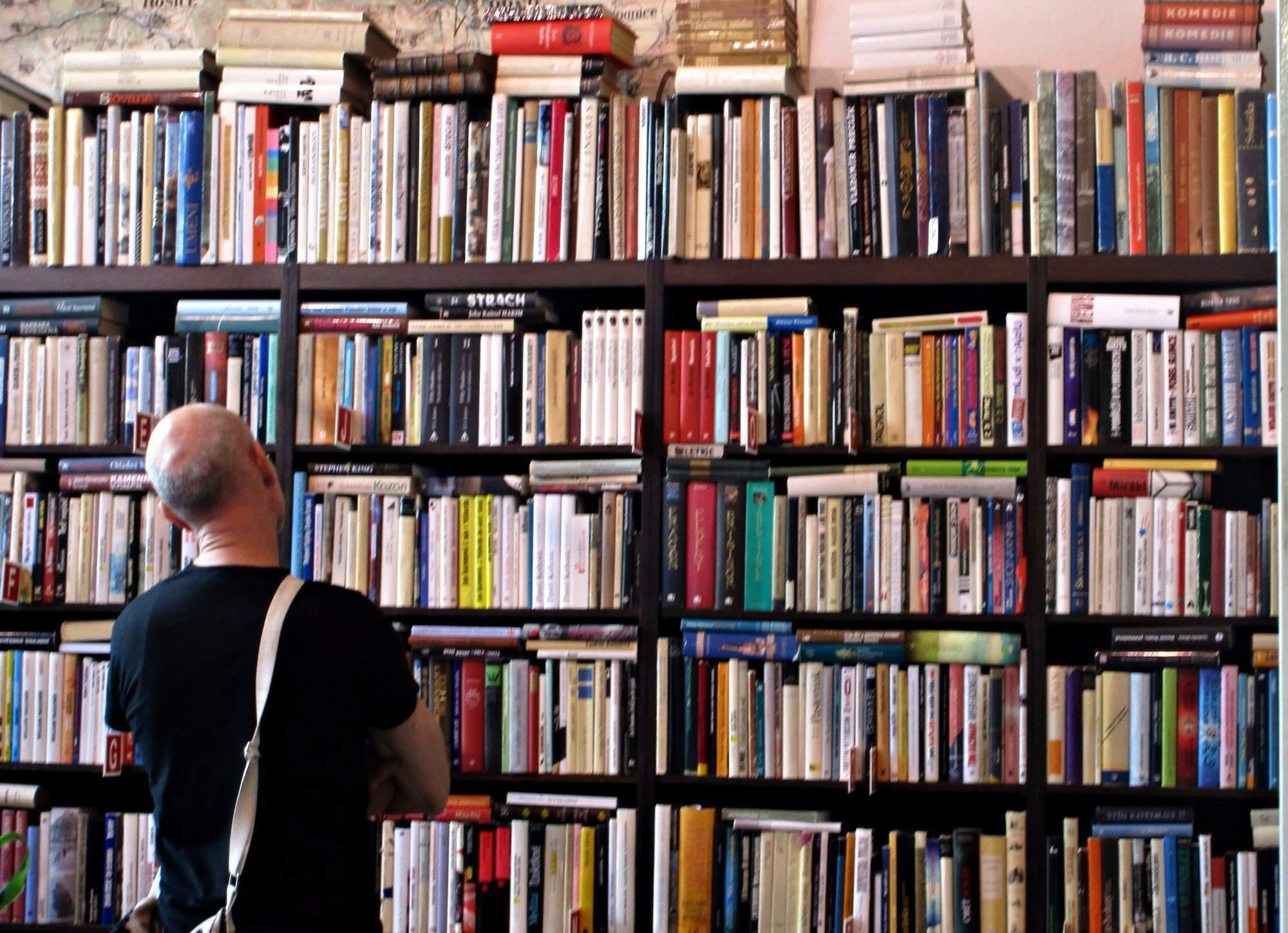 Podle výzkumu přečte alespoň jednu knihu za rok čtyřiaosmdesát procent Čechů. Foto: Dominika Sladká.