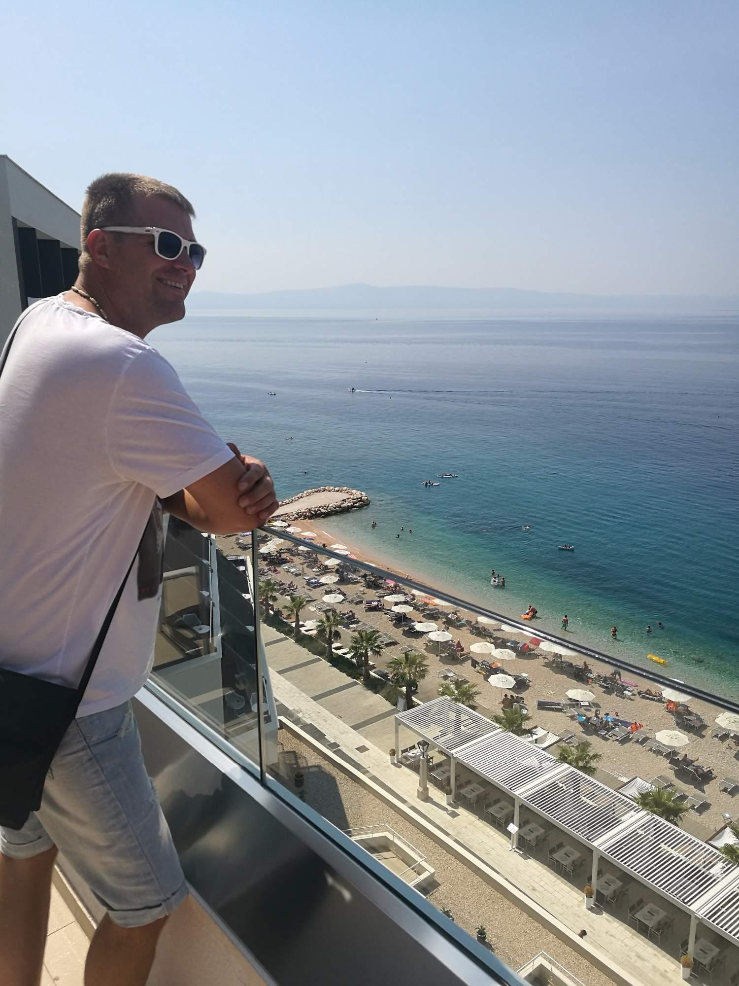 medora auri family beach resort podgora