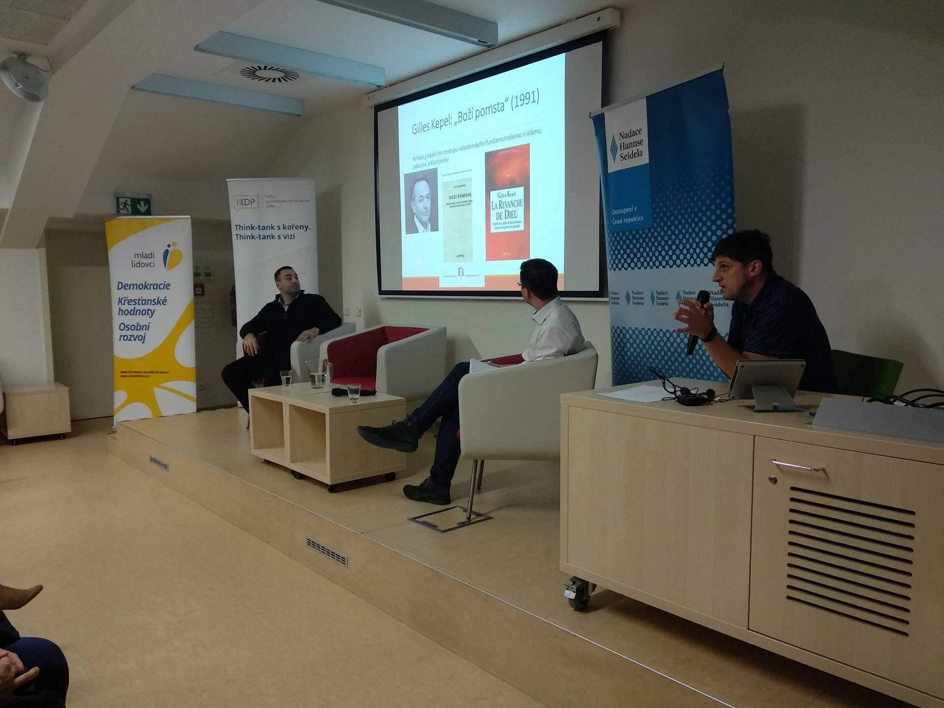 Marek Čejka přednáší o islámském radikalismu