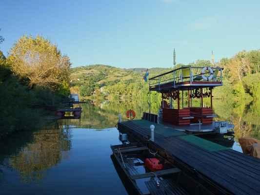 tokaj je centrem tokajské vinařské oblasti, která je od roku 2002 zapsána na seznam světového dědictví UNESCO...