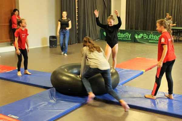 Pohybové vystoupení gymnastek z Libčic nad Vltavou