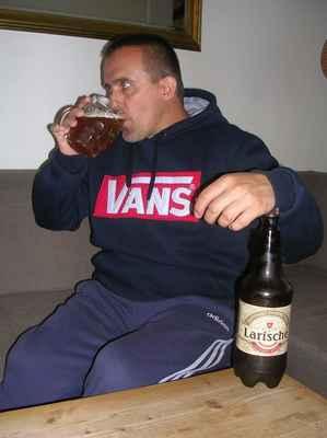 Larische Sommerzeit 10° grep, ALE 4%.,Karvinský pivovar (Ovečka), Karviná-Ráj
