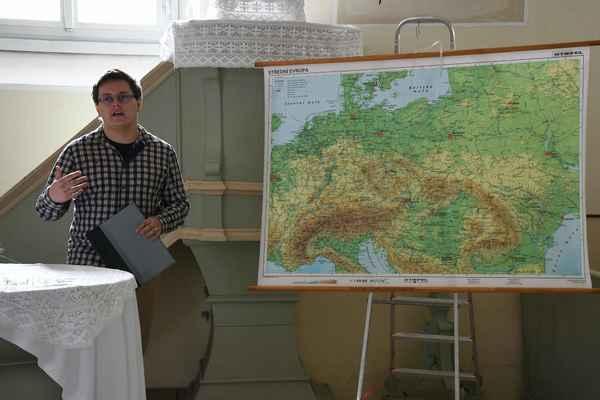 přednáška Jiřího Holeše - Benjamín Skála R. Q.  2018 Své fotky na internet nahrávám multilicencované pod CC-BY-SA all versions.
