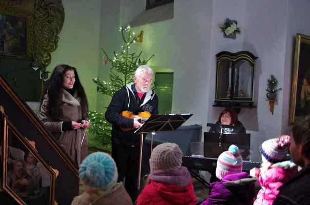 Vánoční koncert hudby a  poezie v kaply Nejsvětější Trojice v Kladrubech.22.12.2018.