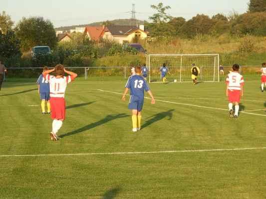 """P9166296 - Tomík """"Lafata"""" Krycner dává po samostatném úniku svůj první gól a snižuje na 2:5"""