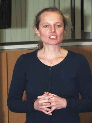 Mgr. Dagmar Hamalová děkuje ua účast a zve k občersvení. 3. 12. 2016