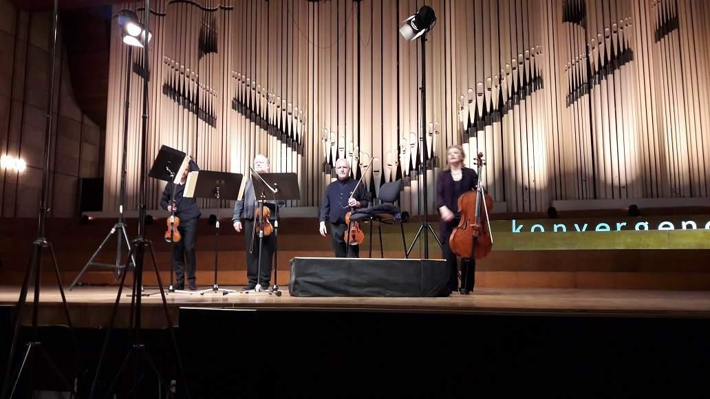 2018   18 00   VEĽKÉ KONCERTNÉ ŠTÚDIO SLOVENSKÉHO ROZHLASU Sláčikové  kvarteto č. 12 Es dur op. 127 (1824) Sláčikové kvarteto č. 14 cis mol op.  131 (1826) c6f6f583a4