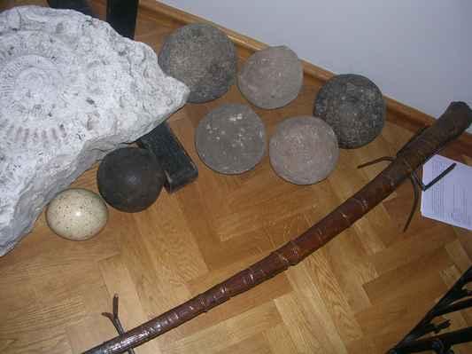 """V Těšínském muzeu (bývalý Larischův palác) mají """"peniswieloryba"""" neboli """"velrybíšulin"""". To je údajně to dlouhé hnědé na zemi. Ale nevím, jestli si průvodkyně nedělala srandu....."""