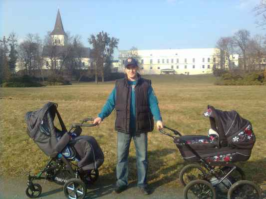 S milovanými dětmi v Zámeckém parku, Karviná - Fryštát.