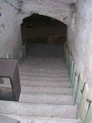 Vstup do historického pivovarského podzemí, které využívá pivnice NA BEČKÁCH a restaurace BARON.