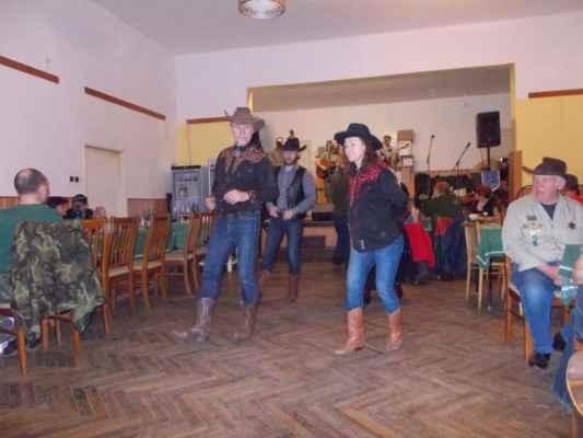 Taneční skupina Modrá růže zaujala zajímavými tanečními kreacemi
