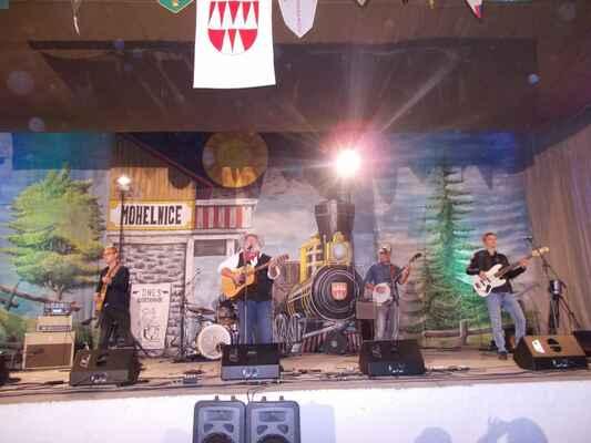 Slovensko-americká skupina Willie Jones band hrála moderní country