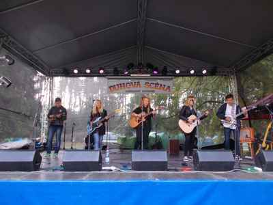 Kapela Blue night z Jablonce nad Nisou mě svým country-folkem docela zaujala