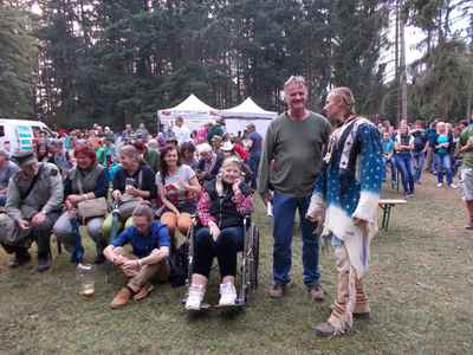 Petr s domorodcem maminkou Martou