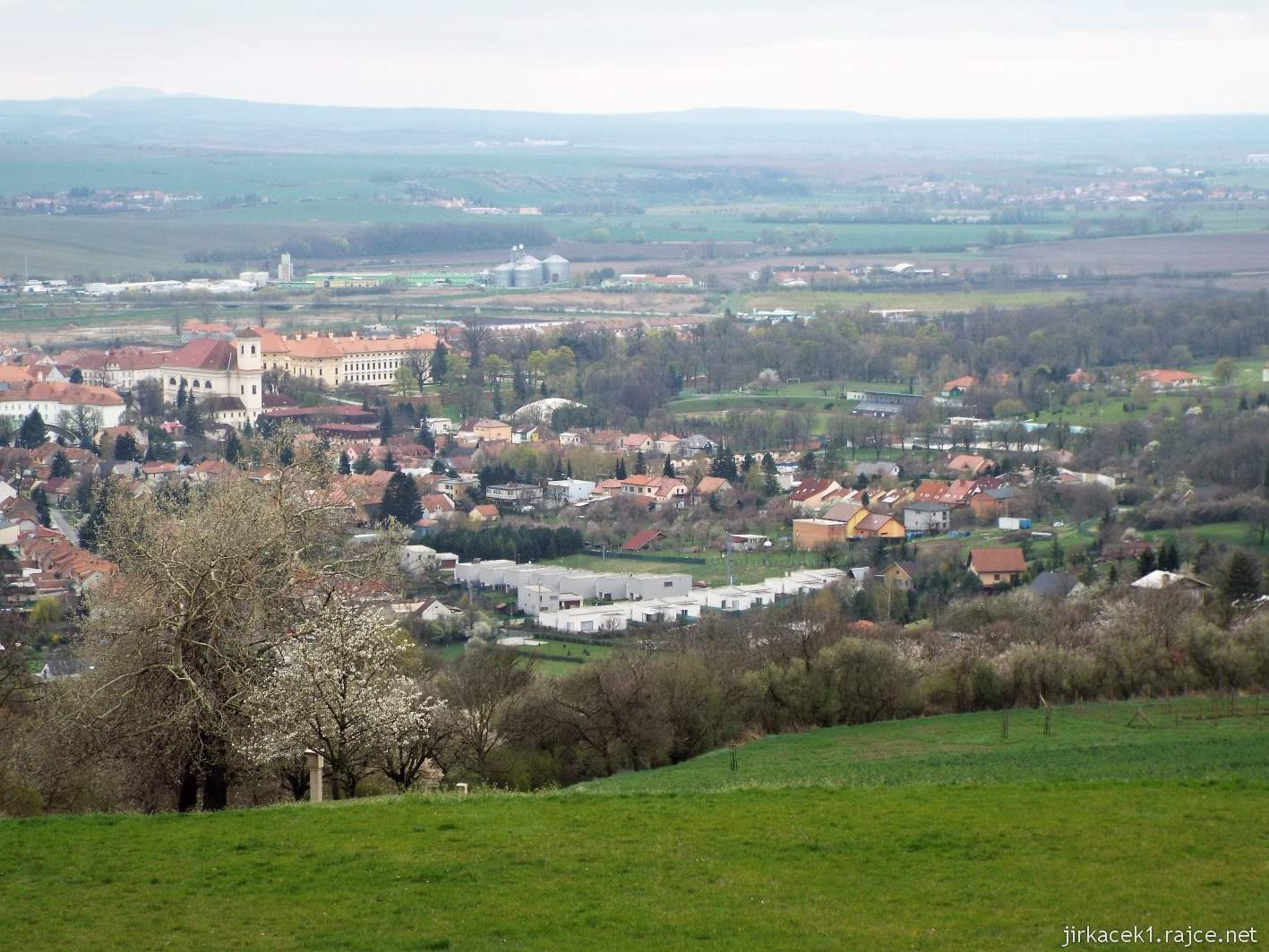 Slavkov u Brna - kaple sv. Urbana - výhled od kaple na město Slavkov